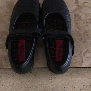 Rachel shoes never been worn!!!!Size 2 medium.